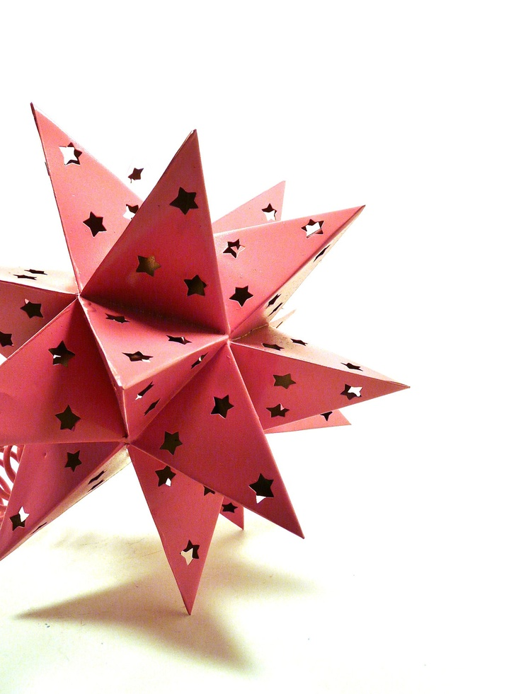 Pink Star Tree Topper. #ApartmentTherapy: Bright Christmas, Paper Stars, Christmas Tree Toppers, Lights Stars, Pink Christmas, Pink Stars, Christmas Decor, Christmas Trees Toppers, Stars Trees