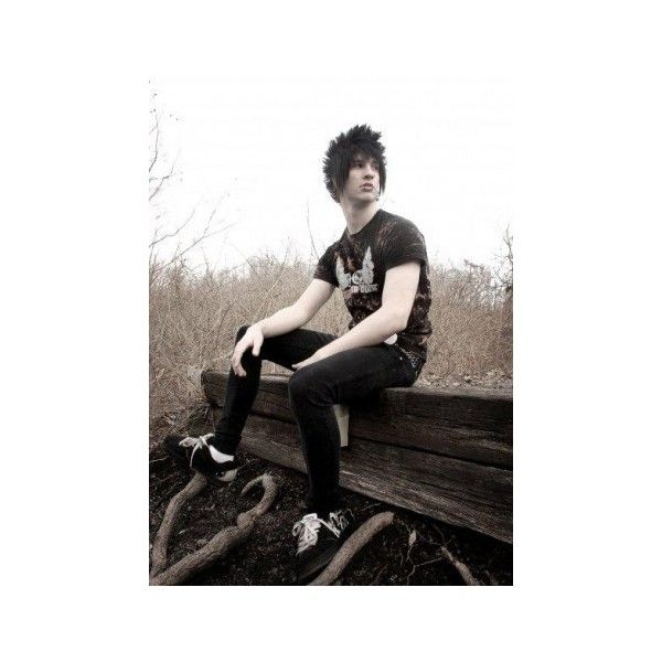 Emo Haircuts for Guys 2009 ❤ liked on Polyvore featuring boys, guys, people, emo boy and hair