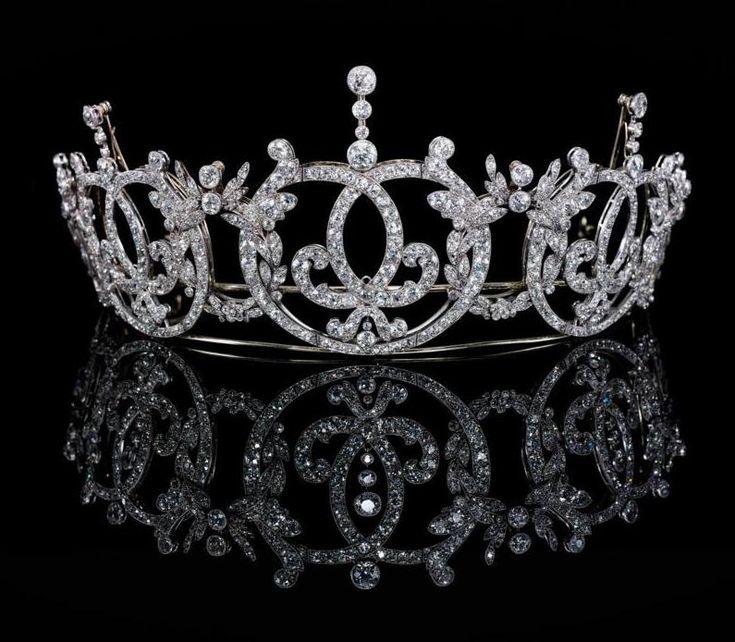تيجان ملكية  امبراطورية فاخرة Bb83377fa68aeb96399c28110e34cfaa
