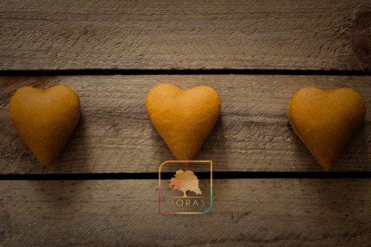 Soffici cuoricini al concentrato di pomodoro