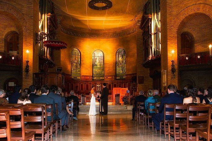 33 Picturesque Colleges To Host An Unforgettable Wedding