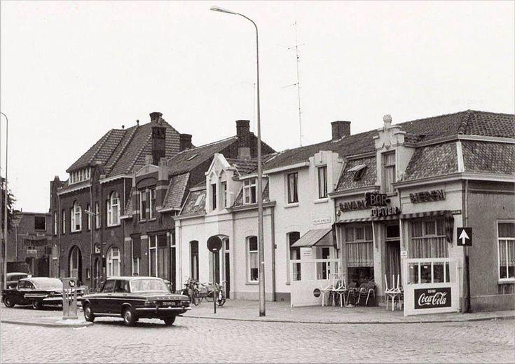 213 Hoek Piusplein -Jan Aartsestraat 1967 café Jupiter bar