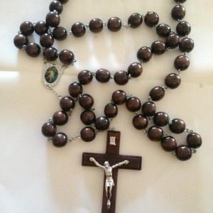 Black-Wall-Hanging-Rosary