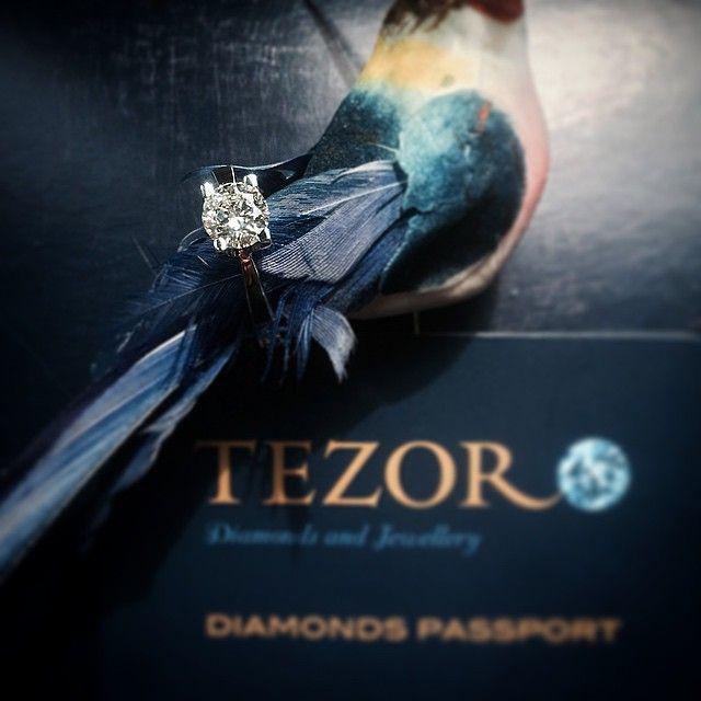 TEZORO jewellery,colourless diamond, 0.77ct,VVS1, Ecolour,round brilliant.