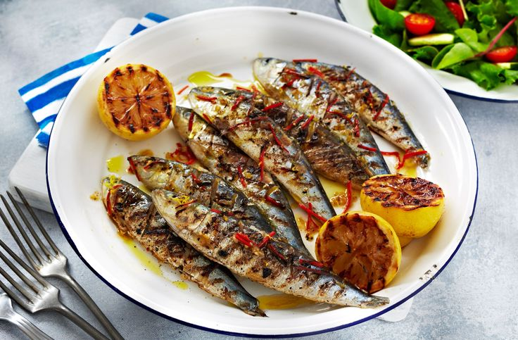 This simple BBQ recipe of sardines with chilli, garlic & lemon is light, healthy & totally tasty. See lots more easy BBQ recipes at Tesco Real Food.