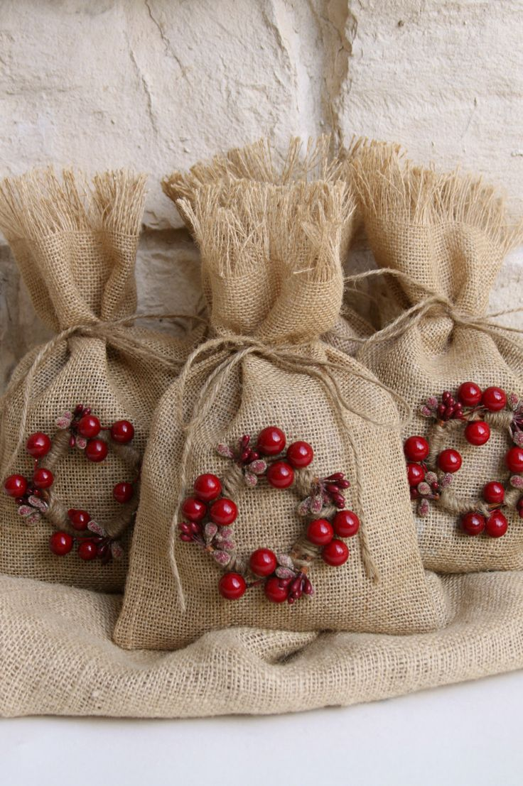 Best 25+ Burlap gift bags ideas on Pinterest