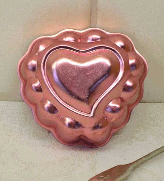 Vintage jelly mould  heart pink anodised Aluminum jello