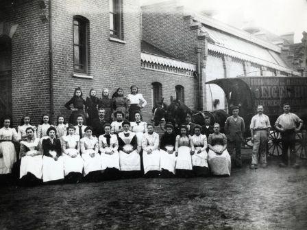 Stoomwasserij eigen hulp oude haagweg den haag 1905