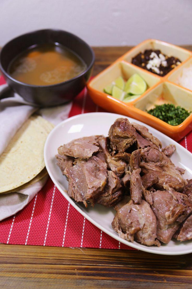 Prepara esta tradicional y muy rica receta de barbacoa de borrego en olla express en casa como nunca lo imaginaste.