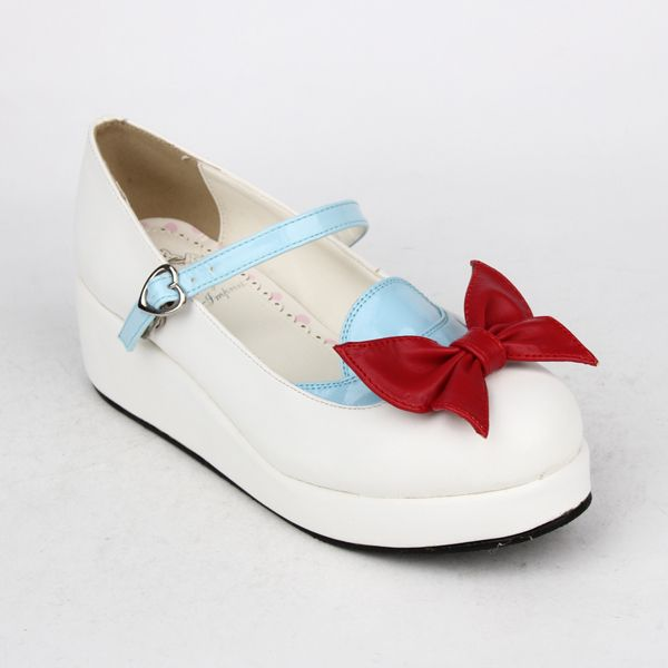Angelic Imprint Seifuku-inspired Mary Jane shoe color variation. If these doesn't just scream Disney, then I honestly don't know what does. Also note that these have a heart shaped buckle instead of the round shown in the other pair. They take custom orders, various colors are also available.