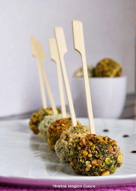 Polpettina di spinaci in crosta di pistacchi e mandorle con cuore filante