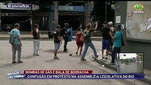 Galdinosaqua no Rio de Janeiro: Guerra durante manifestação em frente a Alerj  Rio...