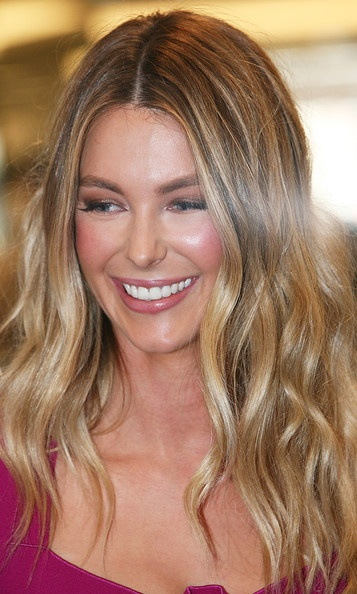 Jennifer Hawkins Long Curls - Jennifer Hawkins Hair - StyleBistro