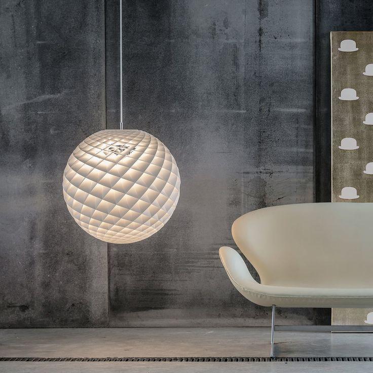 De Patera Hanglamp van Louis Poulsen is ontworpen met het idee een warm en natuurlijk licht te creëren waarmee ruimtes nog mooier worden. Het op het Fibonacci-patroon gebaseerde design geeft een gezellige sfeer.  #fibonacci #pattern #designlighting #louispoulsen #light #design #scandinavischdesign #scandinavian #interiordesign #designlife #designmilk #design4all #interior4all #white #home #homedecor #homestyling #architecture #archilovers #homedetails #lightbrands #interiors