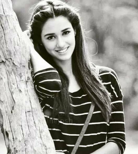 good .......smile........disha patani