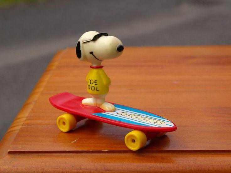 """1966 Snoopy Joe Cool 4"""" Long Skate Board Peanuts Charlie Brown by Aviva    eBay"""