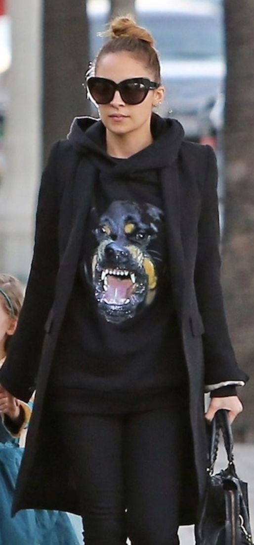 Nicole Richie and her Givenchy Rottweiler sweater #montaignemarket