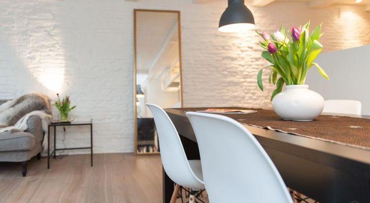€420,90 Das Cosy Apartments bietet eine Unterkunft in Amsterdam mit kostenfreiem WLAN. Vom Königlichen Palast in Amsterdam trennen Sie 300 m.