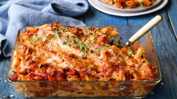 Gratinert pasta og grønnsaksform
