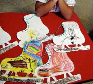 Check out this winter craft and lacing activity from Holiday Kids Crafts! While coloring and decorating is a fabulous way to spark your kiddos' creativity, we also love the extra skills practice and...
