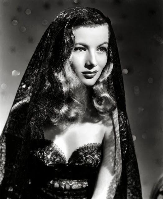 Miss Lindsay Lane: The life of Veronica Lake