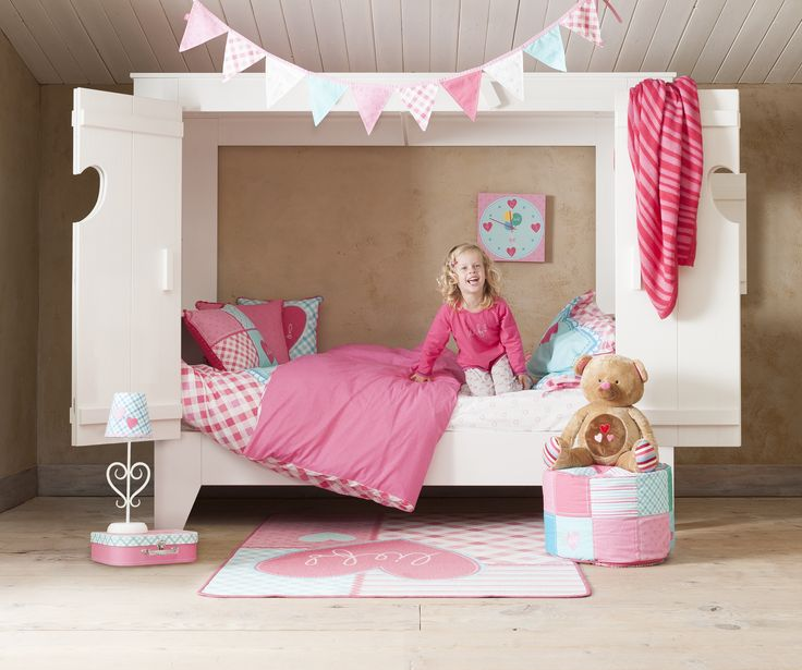 17 best images about girls room on pinterest pastel pink girl rooms and little girl rooms - Bed voor een klein meisje ...