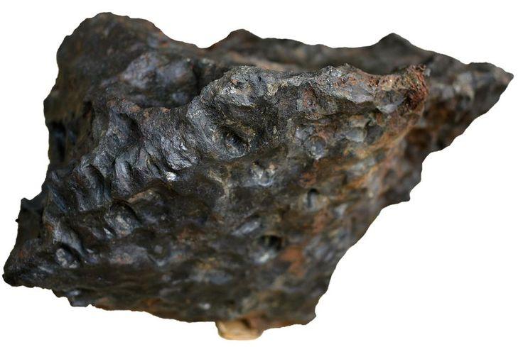 Poszukiwanie meteorytów to nie tylko hobby,  ale coraz częściej intratny zawód
