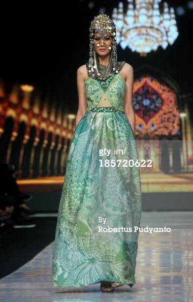 Couture Headpieces by Oscar Daniel for Parang Kencana, Jakarta Fashion Week 2013