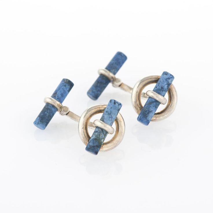 Hermès, paire de boutons de manchette sertis de bâtons de sodalite  Argent 925  Estimation : 200/300CHF