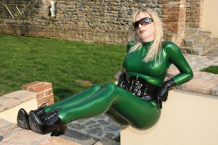 Latex and Fetish — Manuela, pickup and green catsuit