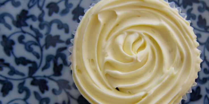 These fructose and gluten-free cupcakes are the perfect thing to bring along to your next afternoon tea or picnic.