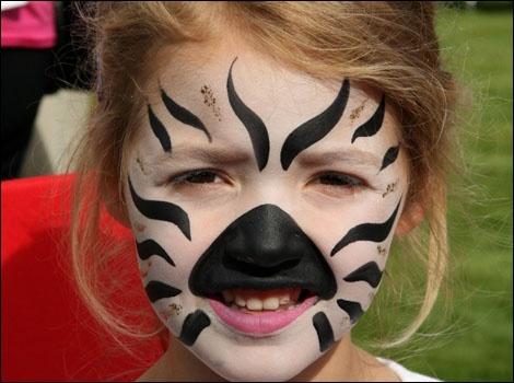 Simple zebra face paint for Foo's Halloween costume.