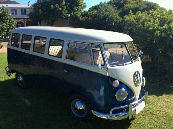Rare 1960's Splitwindow kombi, beautifully restored.   - Rare 15-window model with rear corner windows  - Beautifully restored (4 years ago)  - Reconditioned 1600 twin-port motor  - Complete new interior  - Mechanically overhauled   Please contact me for more information about this exclusive vintage Kombi.