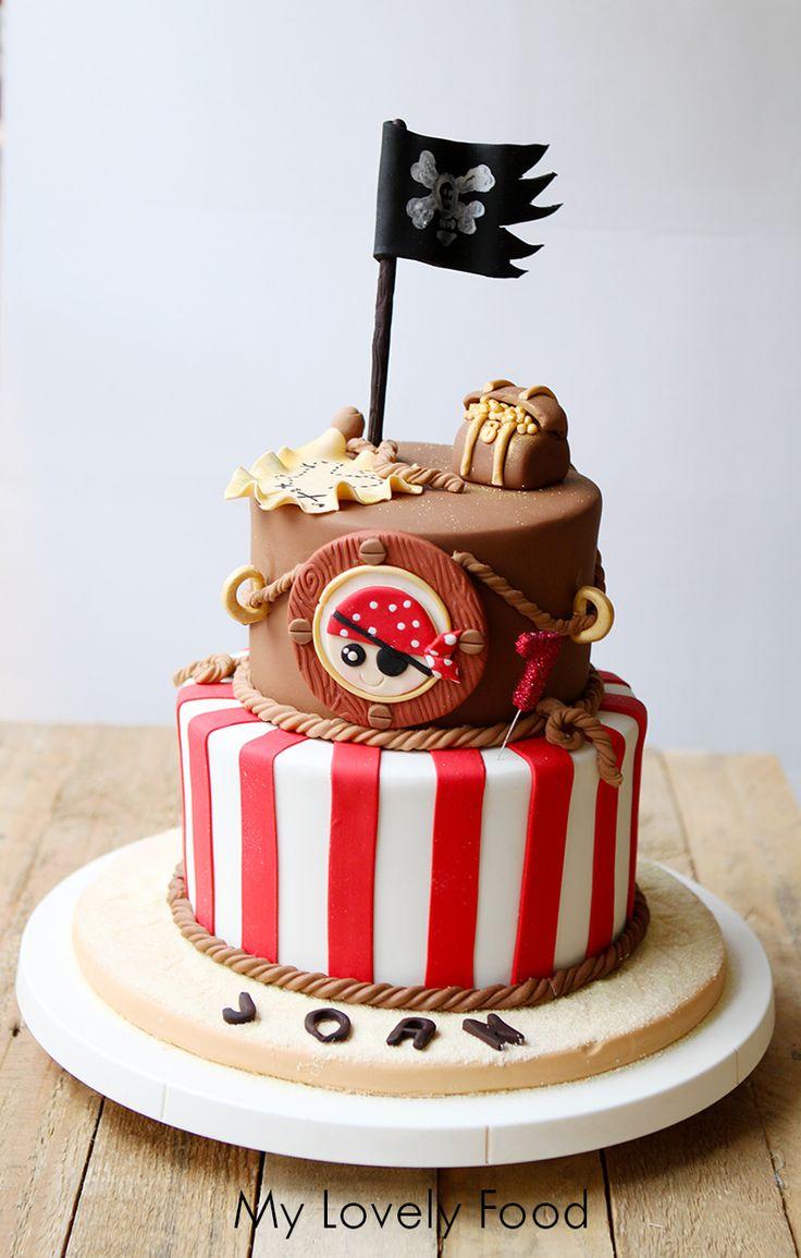 Tarta Pirata (Pirate Cake) de dos pisos para fiestas infantiles y temáticas.