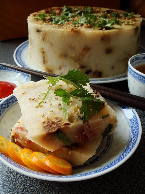 Steamed Turnip Cake 臘味蘿蔔糕 by ComeUndone, via Flickr
