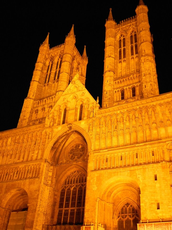 LINCOLN CATHEDRAL ~ IN THE ANGEL CHOIR IS A VICTORIAN TOMB WHICH MARKS THE PLACE WHERE THE ENTRAILS OF QUEEN ELEANOR OF CASTILE , WIFE OF EDWARD I, WERE BURIED.  THE QUEEN'S HEART WAS BURIED ELSEWHERE.  IN THE CHOIR IS THE TOMB OF MY GREAT  (ETC)  GRANDMOTHER, KATHERINE SWYNFORD  (1350-1403)  WIFE OF JOHN OF GAUNT & SISTER IN LAW TO GEOFFREY CHAUCER.  OPPOSITE OF KATHERINE'S TOMB IS A MEMORIAL TO MARY, QUEEN OF SCOTS.  SHE WAS BURIED HERE BUT HER REMAINS WERE LATER REMOVED BY HER SON, JAMES…