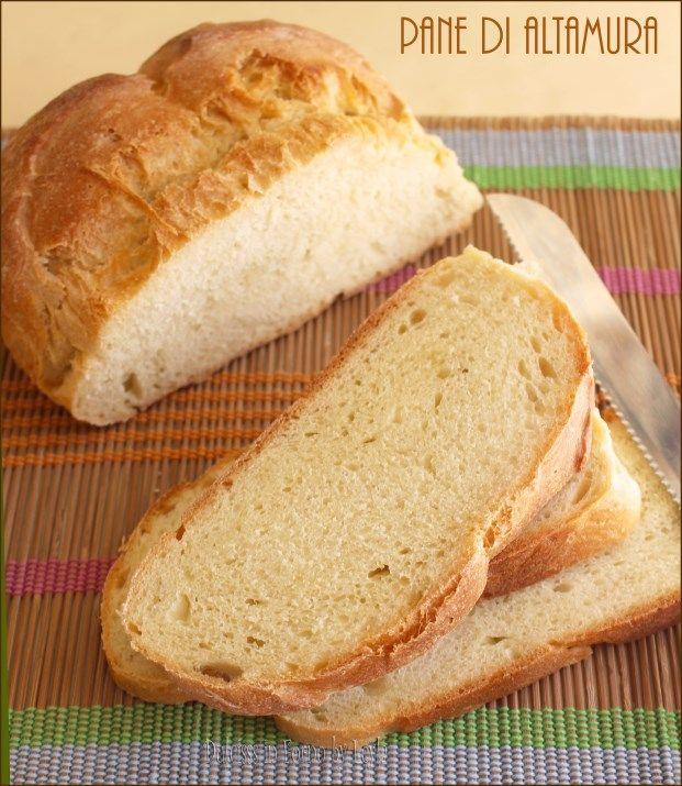 Pane di Altamura: il pane pugliese di semola di grano duro, con una bella crosta esterna e morbido all'interno.
