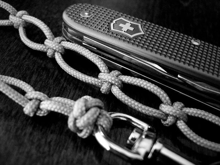 19 best paracord mania images on pinterest diy jewelry for How to make a paracord wallet chain