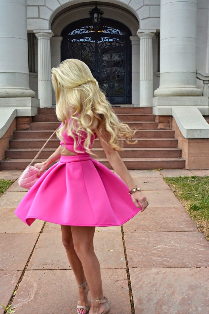 among us we have the prettiest barbie's that💖👑💖👑 grace us with love, grace, peace, pleasea go forward in glitter and sunshine without fearღsparkle in pink, love yourself, avoid drama and I am so genuinely proud of y'all...support dolls worldwideღ
