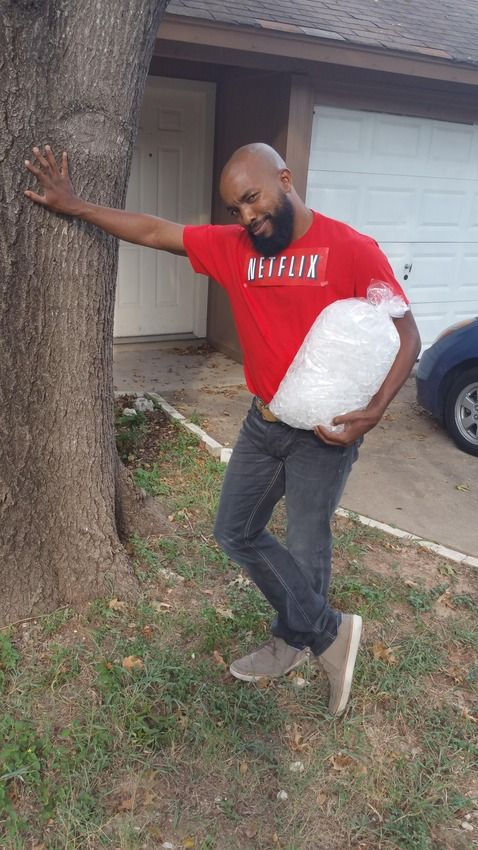 """Hilarious! """"Netflix and Chill"""" costume for Halloween"""