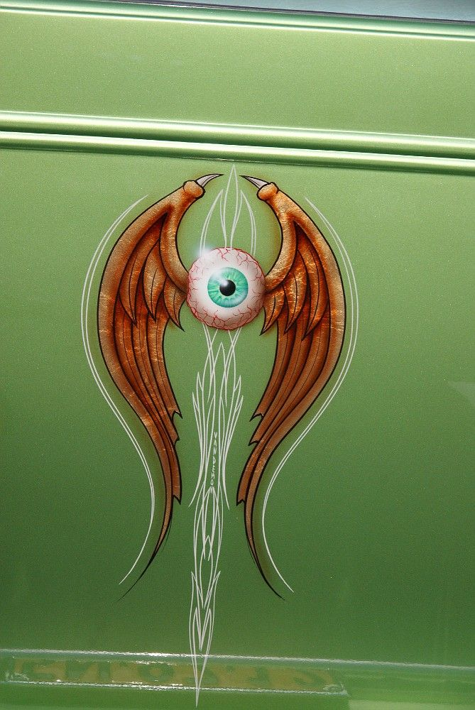 Flying Eye with pinstriping from 8th Annual Kustom Kulture Show