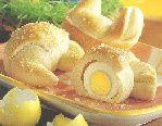 Hoe kun je paasbroodjes bakken gevuld met een hardgekookt ei? - Instructies - Weethetsnel.nl