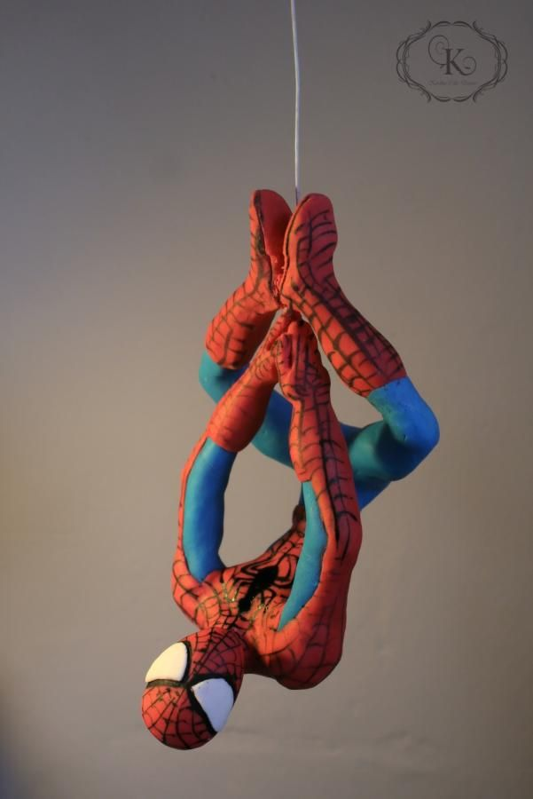 Hanging Spiderman - Cake by Karolina Gergelova