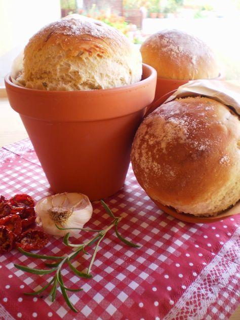 Fűszer és Csemege: Mediterrán kenyér, virágcserépben sütve