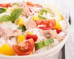 Salade de riz au thon d'Isabelle (facile, rapide) - Une recette CuisineAZ (repas des voisins)