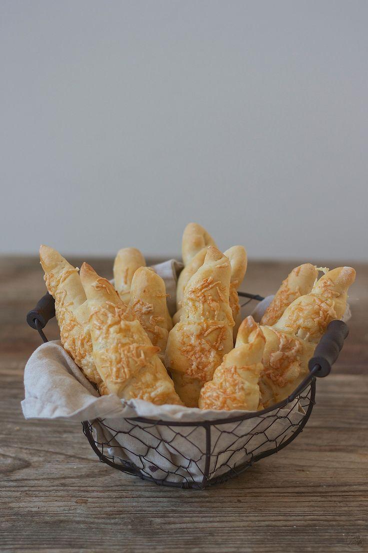 Rezept für knusprige Käsestangerl // homemeade Cheese Sticks recipe // Sweets & Lifestyle