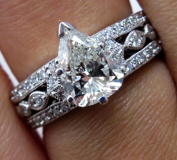 2.07ct Vintage PEAR Shaped DIAMOND ENGAGEMENT Wedding Anniversary 18k White Gold Ring