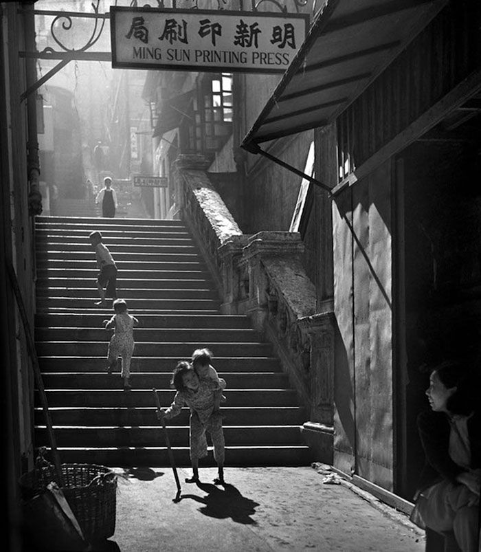 Hong Kong Street Photography by Fan Ho https://www.facebook.com/fanhophotography