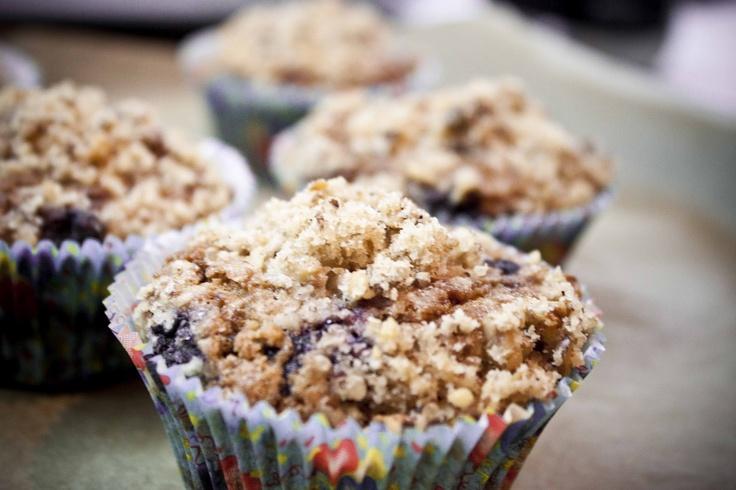 Borůvkové muffiny s ořechovou drobenkou
