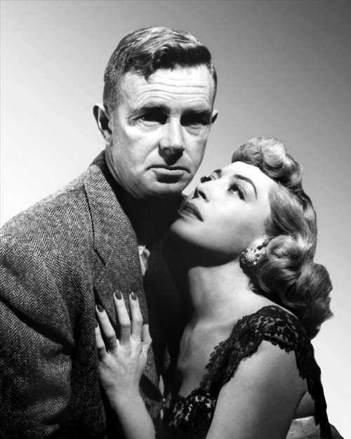 Sterling Hayden and Marie Windsor, publicity shot for The Killing (Stanley Kubrick, 1956). If you haven't seen this film, you should.